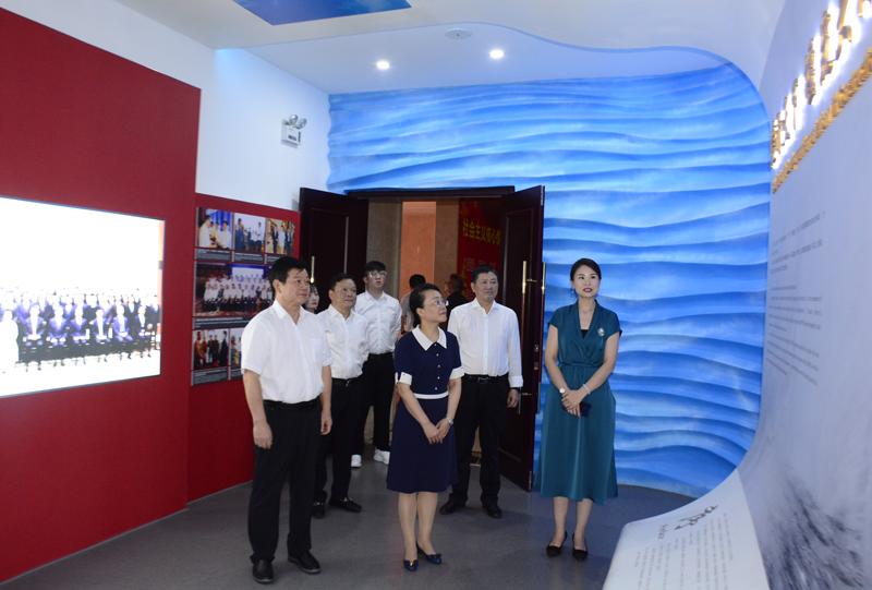 亚洲城优惠安卓下载商务厅罗璇副厅长一行莅临亚洲城电子app入口调研指导